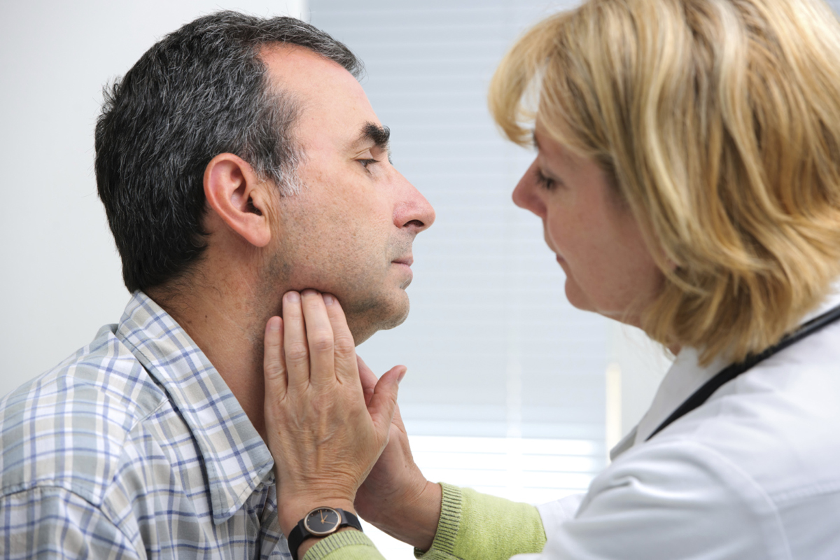 Recognize the First Symptoms of a Thyroid Dysfunction